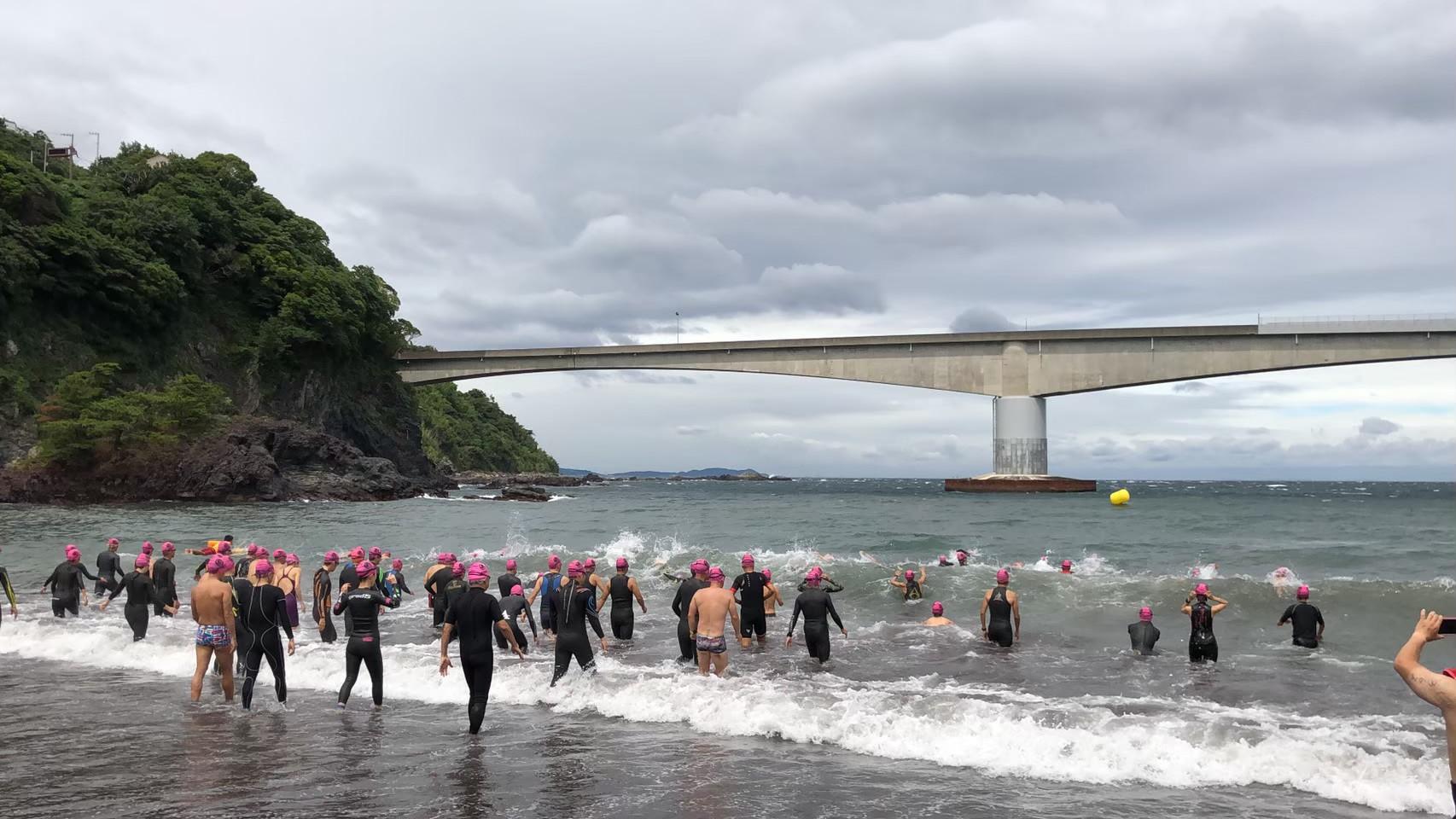 真鶴・岩海岸オープンウォータースイミング大会